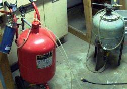 40 lb pressure pot blaster size & small 20 lb.