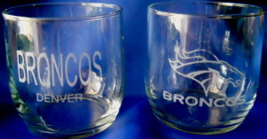 denver-broncos-etched-glass-set
