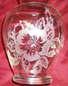 A flower pattern engraved on a vase.