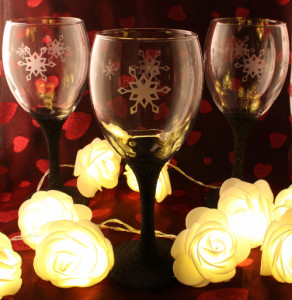 wine glass snowflakes etched